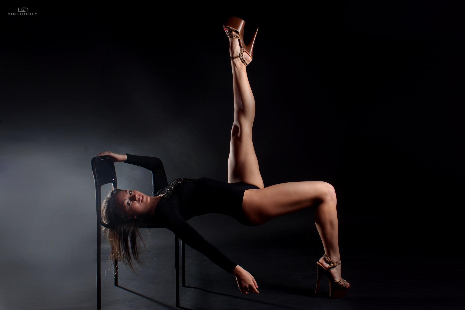 Floppy stripdance
