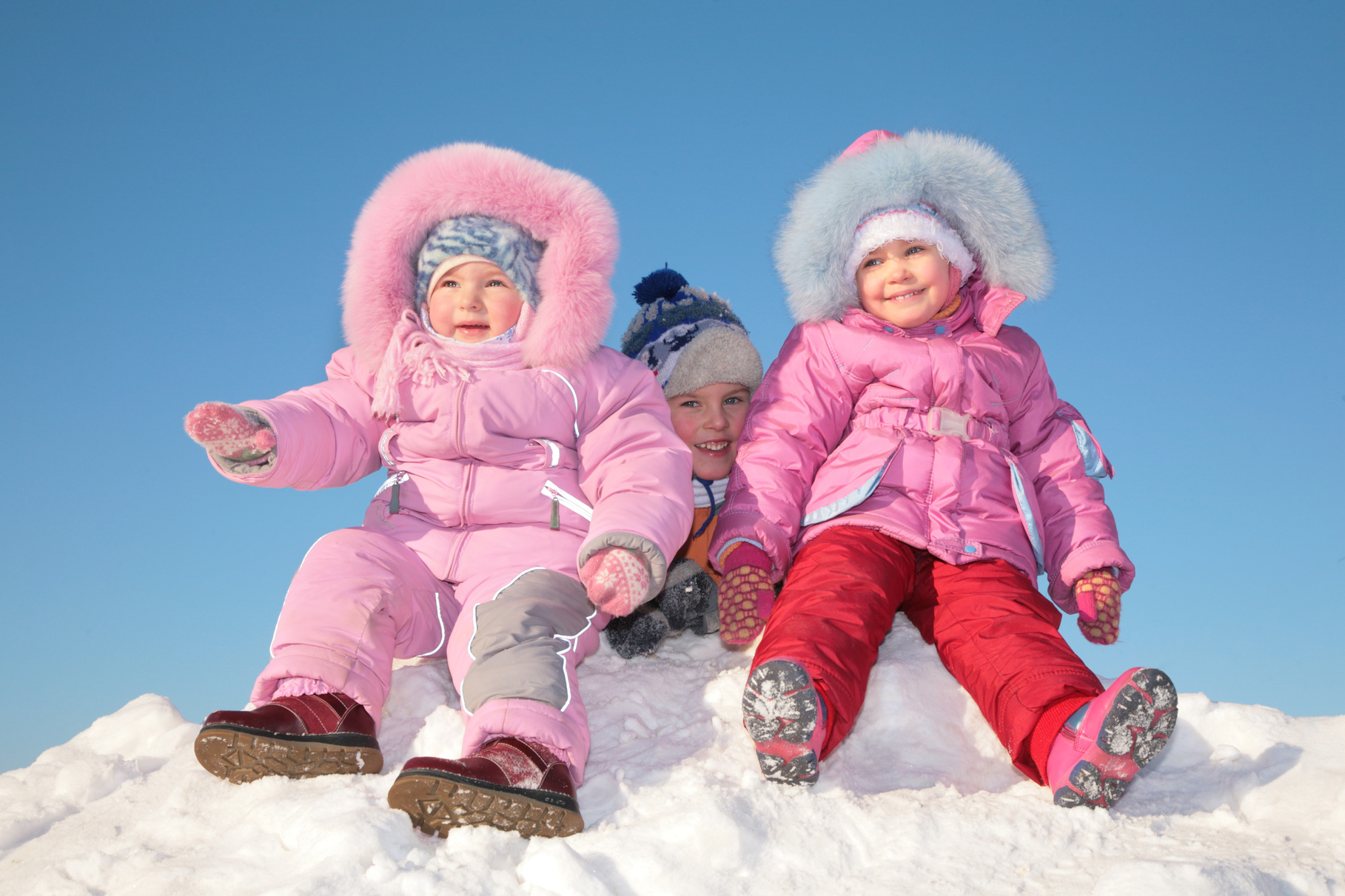62686391 Скидки на зимнюю детскую обувь в магазинах «12 месяцев»